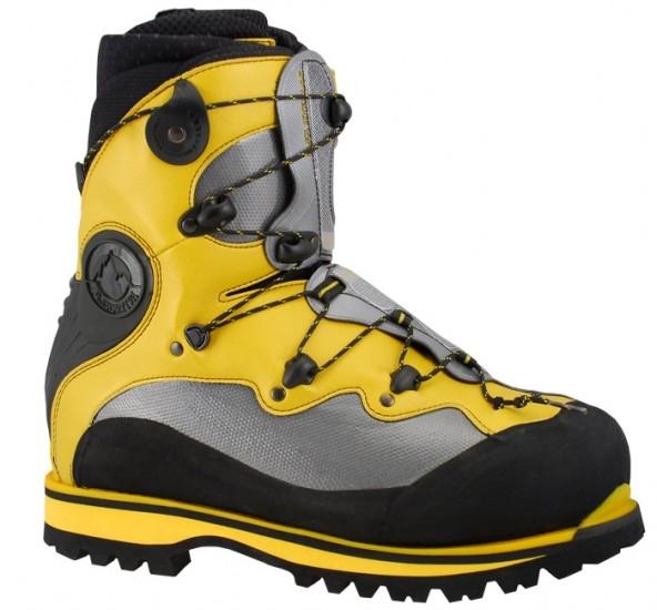 d6a348b098a Como ejemplo de bota B3 de High Mountain carente de polaina, el modelo  Spantik de La Sportiva